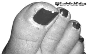 Viel Schamhaar und behaarte Füße