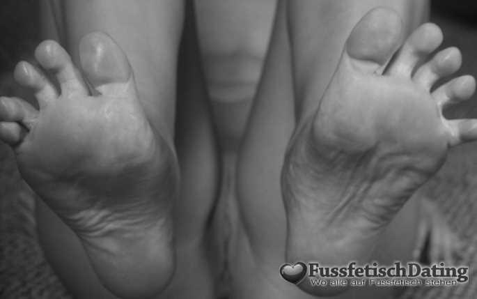 Willst Du Blondinen Füße ficken?