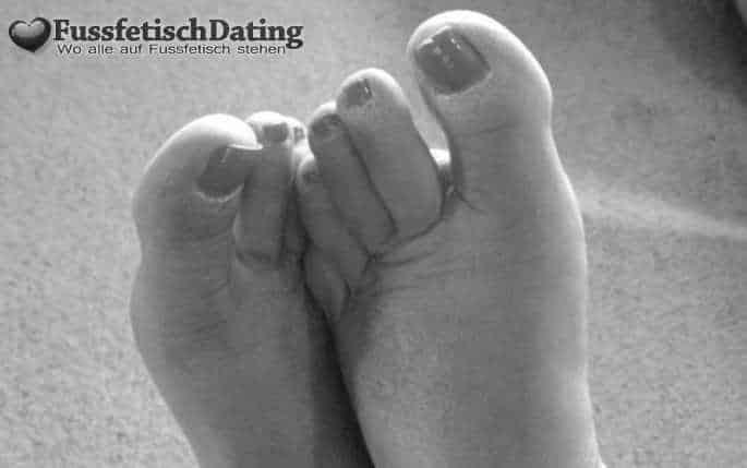 Fette Füße lecken und ficken.