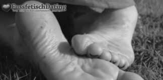 Ich habe schön feuchte Fußsohlen an denen Du lecken darfst.