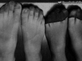 Frauen in Nylons suchen solventen Fußfetischisten.