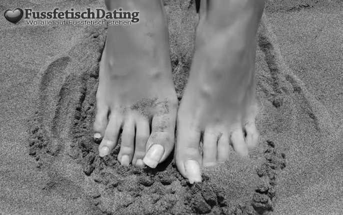 Magst du Füße mit French Nails?