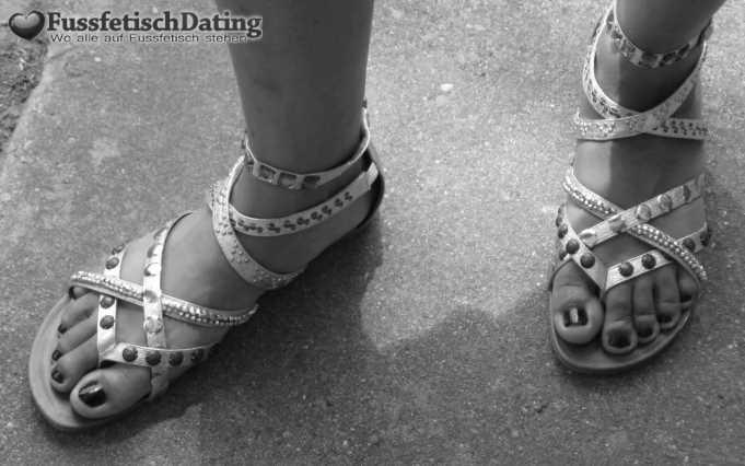 Dating für Fußfetischist in Ostdeutschland