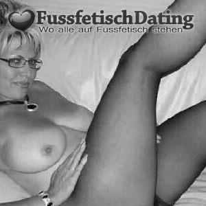 Sexdate mit Frau mit Nylon Fetisch