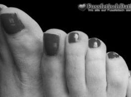 Es gibt auch alte Oma Füße beim Fußfetisch Dating.