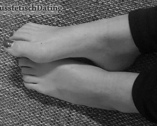 Ich habe noch sehr junge Füße, aber keinen der meine Füße verwöhnt.
