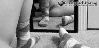 Nasse Pflaume mit Socken Fetisch